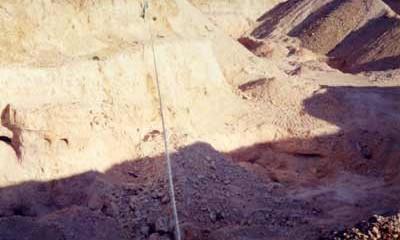 Opal Mining in Australian.