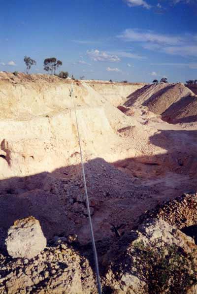 opals,black opals,opal mine,opal gemstone ,black opal,opal stone,types opal,australian opal ,opal gemstone