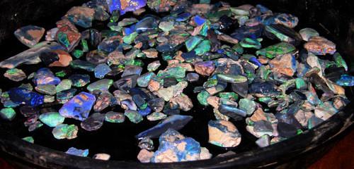 Cutting Opal Gemstones.