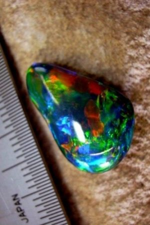 cut shape opals,opal tear drop,black opal,