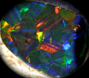 australian national gemstone,international official October birthstone,australian opal,black opal