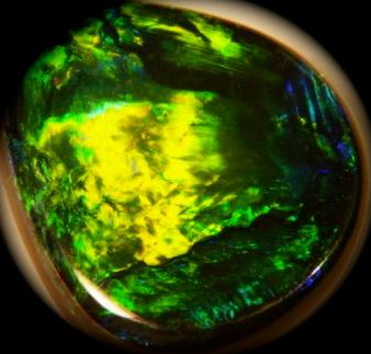 australian official emblem ,green gold color opal,gemstone