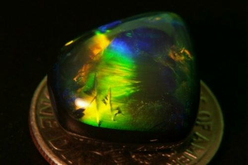 opal green yellow color ,australian official symbol, green yellow color gemstone