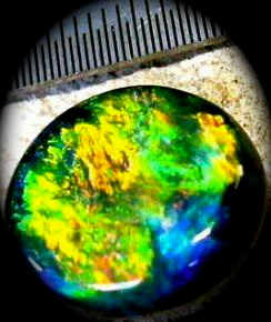 australian official symbol green and yellow color,symbol opal gemstone
