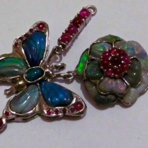 Silver jewelry opal necklace.