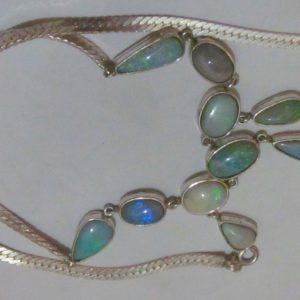pendent opal