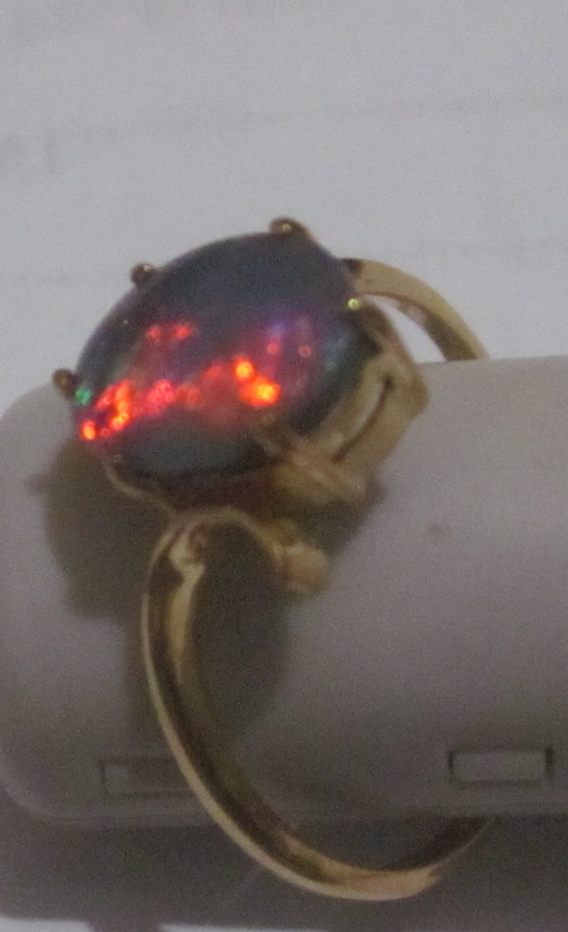 gold opal rings
