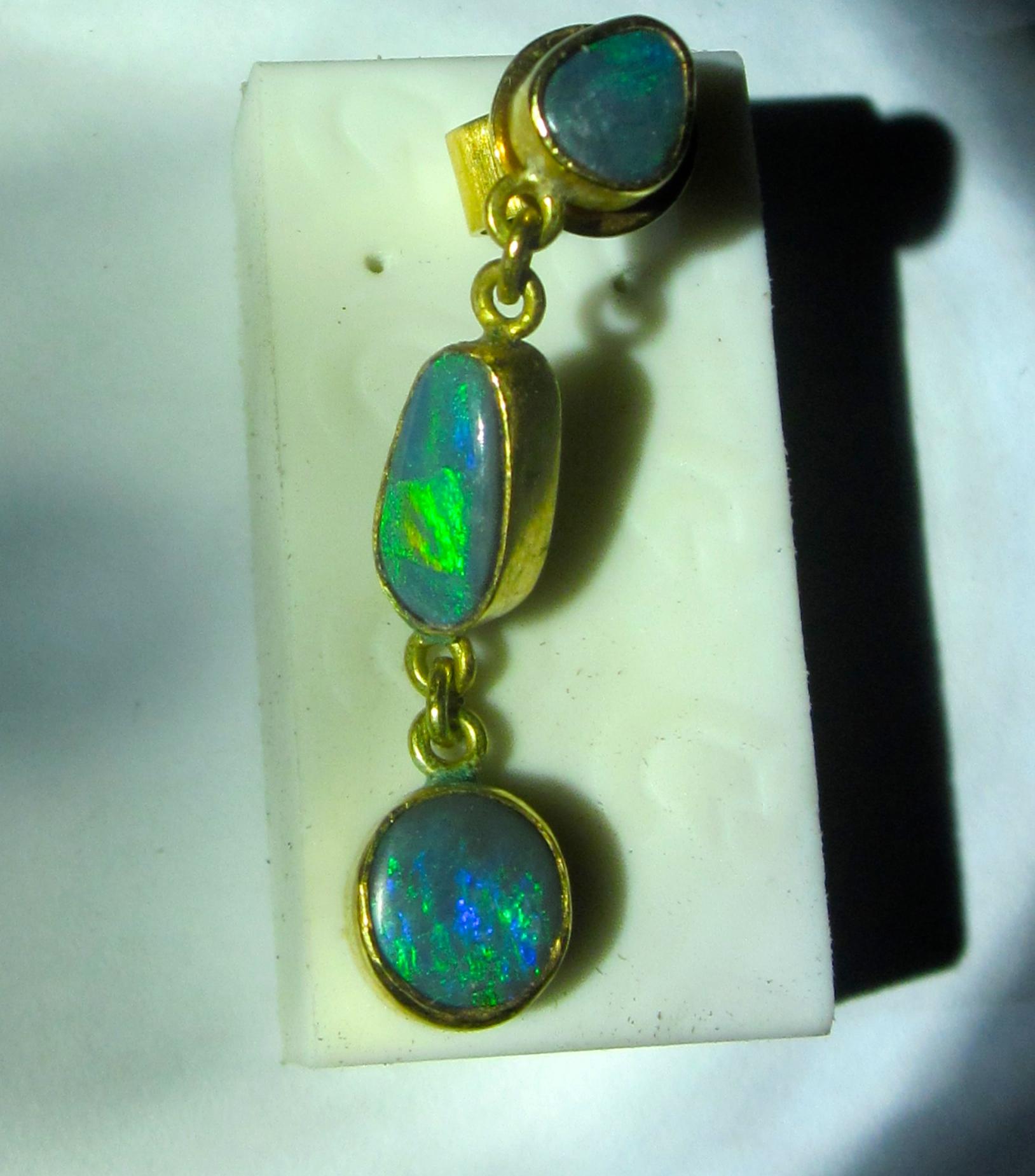 Mens opal earring opals guarantee 100 18 gold 100 solid black opals