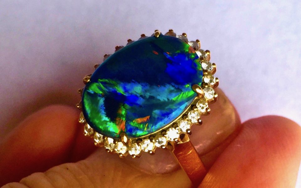 FOR RETAILERS INFO NATURAL OPALS AND WHOLESALE JEWELLERY PRICE GUIDE.
