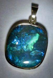 opal pendant jewellery with 1 opal gemstone.